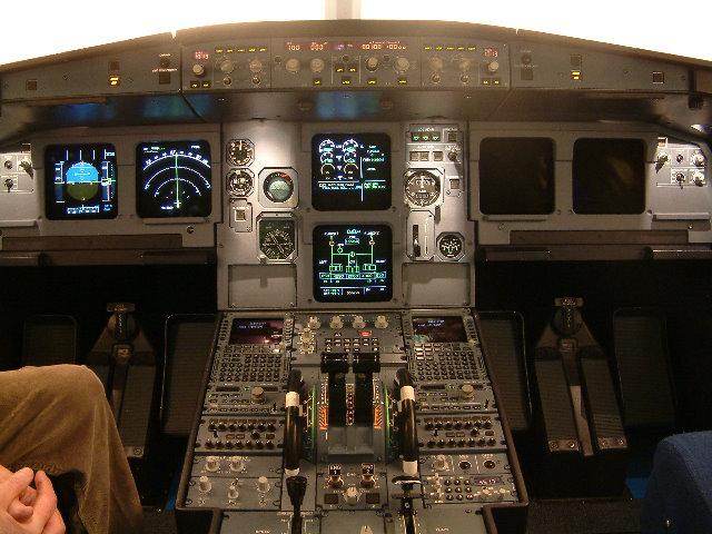 Airbus A320 ECAM displays